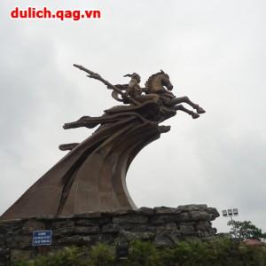 Tour du lịch Hà Nội – Việt Phủ Thành Chương – Đền Gióng 1 ngày