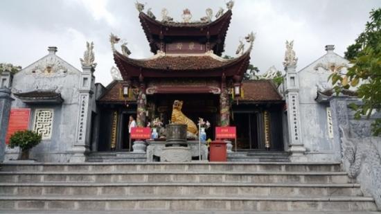 Tour du lịch Chùa Ba Vàng – Chùa Cái Bầu – Cửa Ông 1 ngày