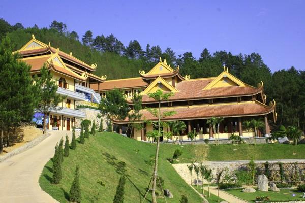 Tour du lịch Hà Nội - Thiền Viện Trúc Lâm - Đền Hai Bà Trưng 1 ngày